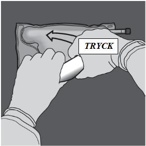 Ändra riktning genom att rulla påsen mot överdelen (änden med hängaren). Tryck med den andra handen och fortsätt tills förslutningen mellan aminosyra- och glukoskamrarna har öppnats helt.