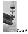 Bilden visar hur man skruvar fast sprutan med monterat filter på uppdragningsspiken