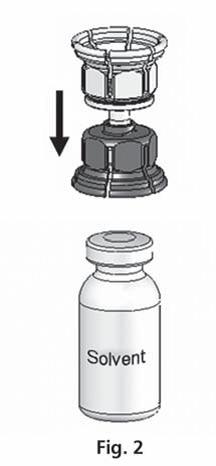 Sätt del blå delen av Mix2Vial på flaskan med spädningsvätska.