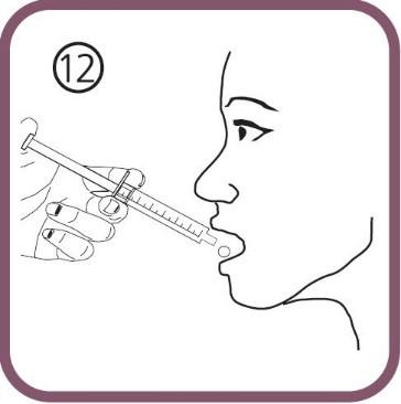 drick lösningen direkt från den orala dossprutan