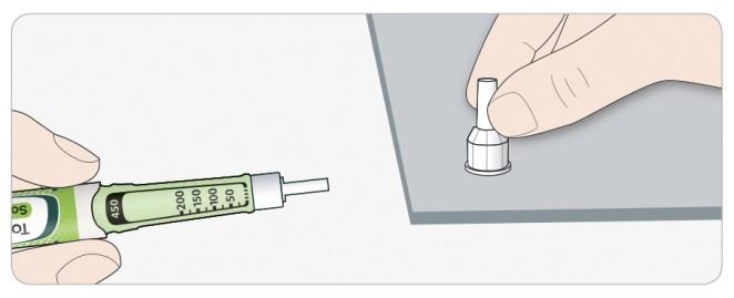 Dra av det yttre nålskyddet. Spara det för senare användning