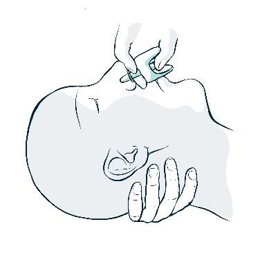 Stöd nacken och för in munstycket