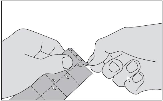 1. Riv av fliken som är markerad med trekanter på toppen av blisterförpackningen.