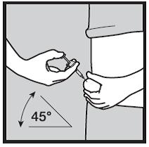 Bilden visar att du ska hålla sprutan i 45 graders vinkel mot huden