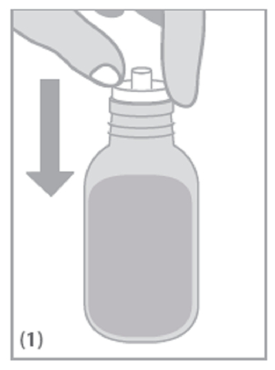 Öppna flaskan och tryck doseringssprutadaptern ordentligt ner i flaskhalsen