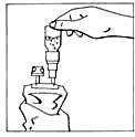 Bild 5 Bilden beskriverVända det ihopkopplade systemet och krama påsen föera gånger.