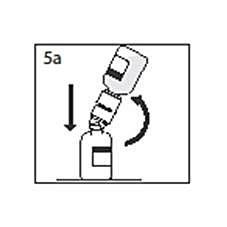 Bilden beskriver hur andra spetsen på överföringsenheten ska stickas genom pulverflaskan