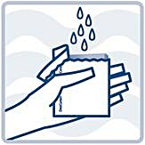 Öppna svampförpackningen och fyll på med vatten för att fukta svampen