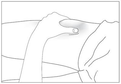 Desinficera och nyp ihop huden på injektionsstället.